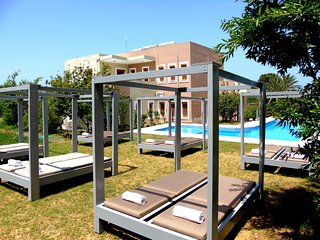 Manos Apts, with pool, ground floor, upto 17 persons