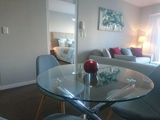 Apartment in Cape Town with Lift, Parking, Balcony, Washing machine (675719)