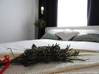Lisbon Airport Suites - Olive Oil Bedroom