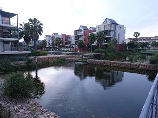 Apartment in Cape Town with Parking, Garden, Balcony, Washing machine (675712)
