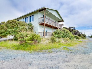 Spacious home w/ ocean & lake views, across the street from beach access!