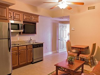 Family-Friendly Condo w/ WiFi, Free Shuttle to Theme Parks, Resort Pool & Dining