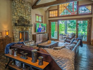 'Be R Guest' - New! Golf Course Stunner! 5BR | 4BA | Slps 20 | Hot Tub!