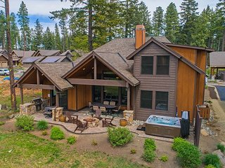Posh Suncadia Retreat on the 18th Fairway! 5BR | 4BA | Hot Tub | Fire Pit