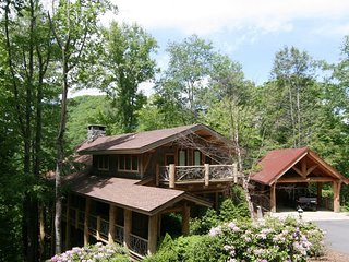 Red Stag Lodge ~ Eagles Nest, Pet Friendly, Luxury, Views