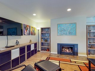 Inviting duplex w/ a deck, ocean views, and easy access to town