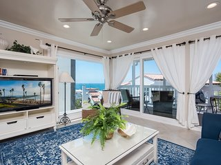 Gorgeous 3 bedroom in the Pier Bowl!   Fantastic Ocean Views 1 Block to Beach &