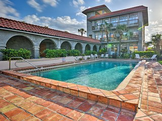 Townhome w/Pool Steps from Indialantic Beach