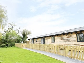 Willow Lodge, open-plan, enclosed garden, countryside, Ref. 973914