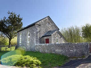 MOOR VIEW CHAPEL, countryside views, near Bodmin Moor, pet-friendly