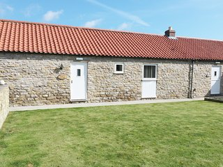 KEEPERS COTTAGE, single-storey, woodburner, enclosed patio, pet-friendly, near T