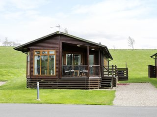 BADGERS RETREAT, hot tub,open-plan, Ref 979659