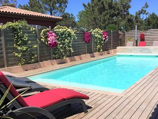 Villas 4**** Plage a pied-Piscine chauffee-Jacuzzi-Wifi Free-Fitness-Velo elect
