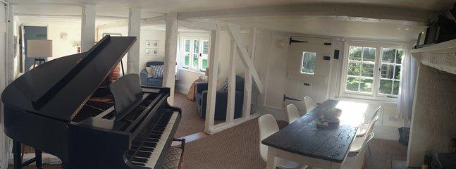 de baby grand piano