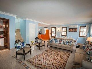 Villa Coral Cove - Kas Cukurbag Peninsula- Bright And Colourful Villa By-the-Sea