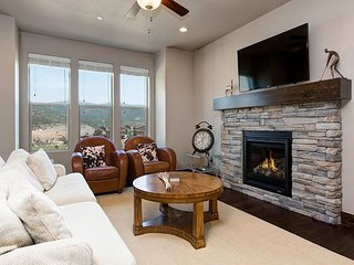 Summer Special! 5BR Mountain Luxury in Park City Near Jordanelle Reservoir