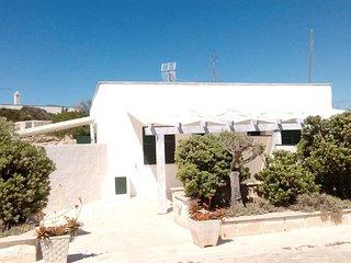 Calamoni Bilocale B4,con veranda coperta, a 20 metri dalla spiaggia