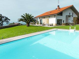 Impressive luxury villa with amazing views.
