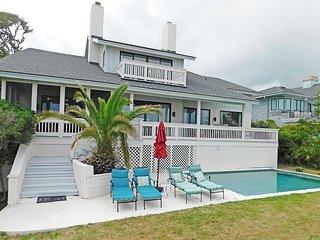8 Iron Clad - Oceanfront, 5 Bedrooms & Sleeps 14