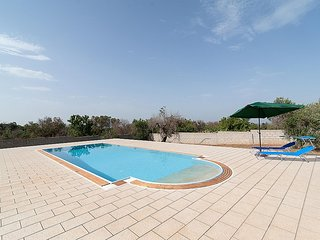 2 bedroom Villa in Rischiazzi, Apulia, Italy : ref 5574155