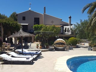Luxury 6 Bedroom Country Villa in Pedreguer