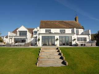 Gallops House Beautiful 5/6 bedroom family home, view over Cheltenham Racecourse