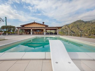 Taormina-Bruderi Country Villa with Pool Sea View