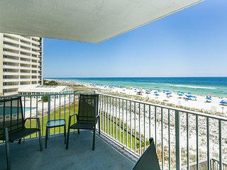 Beach Front Condo - Private Balcony