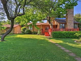 Spacious Lake Granbury Home w/ Patio & Boat Dock!