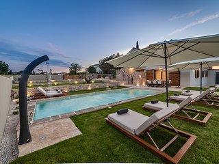 Casa DaCo - gin experience pool villa-