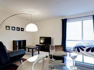 1010 Bleury Mike .LUXURIOUS STUDIO IN OLD MONTREAL
