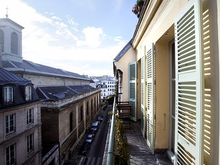 Superb 1 BR with Balcony in Le Marais