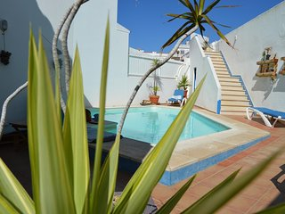 Vila with Pool and Ocean View