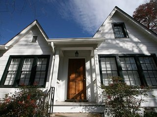 Great in Town Cottage located close to Main Street & Music Center