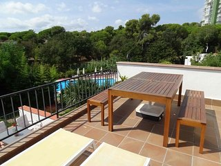 In Platja d'Aro. Apartment B20 close to the beach and the shared pool.