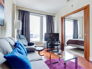 2110 SFX . COMFY APT IN OLD MONTREAL 2