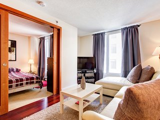 1412 SFX . COZY APT IN OLD MONTREAL 4
