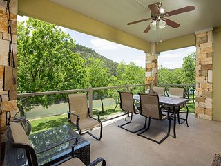 Winter Texans Special! Beautiful 3/2 Condo on the Guadalupe!