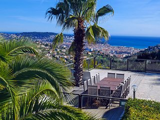 Seaview Panoramavilla near Nice Centre-Heated pool