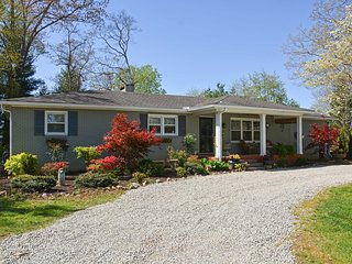 Mills River House Close to Asheville & TIEC!