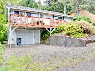 Dog-friendly home w/ private hot tub, shared tennis - walk to the beach!