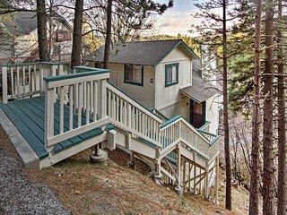 NEW! 3BR Cabin w/ Views - 1 Mi. to Lake Arrowhead!