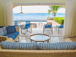 Popular Simpson Bay Condo ~ Beachfront w Direct Pool & Beach Access ~ La Siesta