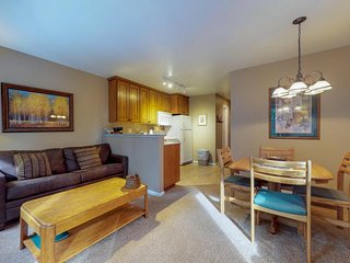 NEW LISTING! Ski-in/out, dog-friendly condo w/ shared hot tub & sauna