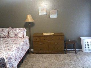 Private Bedroom & Bath w/full kitchen access.  In Sunny Arizona