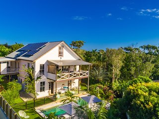 Pacifique on Pacific ~ European Style Luxury Villa Byron Bay