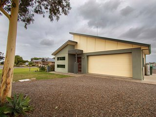 Casa Del Lago- Wellington East