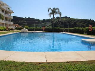 Fully redecorated holiday apartment conveniently located in Sitio de Calahonda