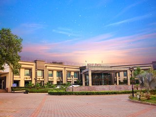 City Park Resort Ghevra