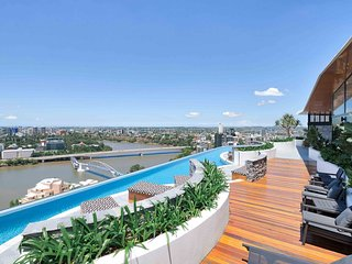 Perfectly Located Apartment with City Views & Pool